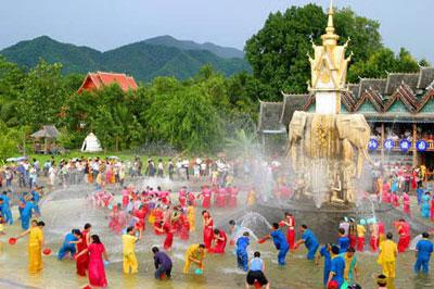 Lễ hội té nước nhộn nhịp ở một số nước Đông Nam Á