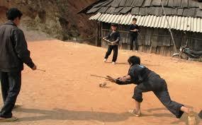 Người Mông ở Mộc Châu và trò đánh quay ngày tết