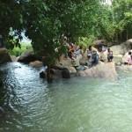 Suối đá huyền diệu quanh co ôm lấy núi Tam Đảo