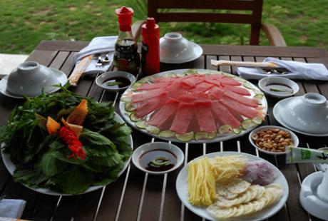 Phòng tránh ngộ độc thức ăn khi đi du lịch hè 2014