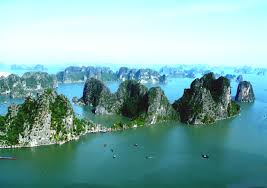Tour Hạ Long đang là tour biển đắt khách nhất hè 2014.