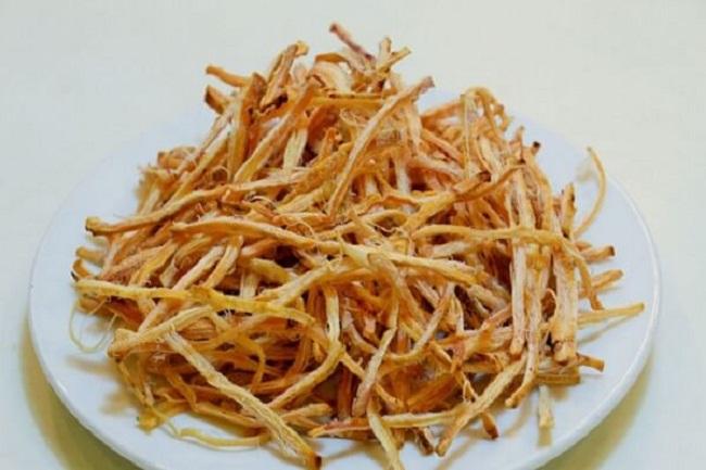 Mực nướng được xé thành từng sợi