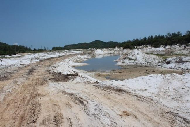 Việc khai thác cát ở Quan Lạn